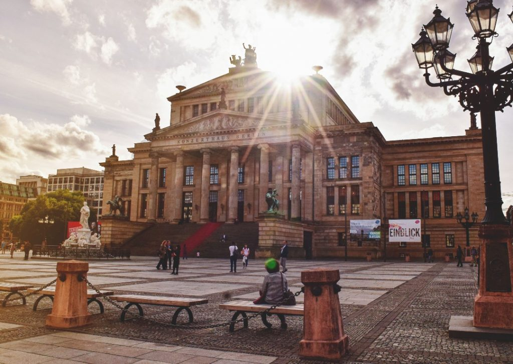 Gendarmenmarkt-square--1024x727.jpg?ooMediaId=3583