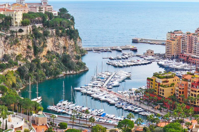 Monte Carlo and Monaco's national flag