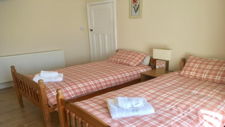 Twin beds at Winckley 33 Apartment