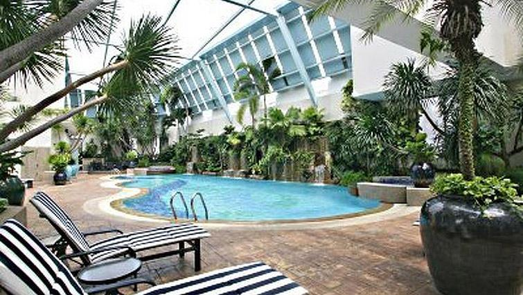 Swimming pool at Regency House Apartments, Singapore