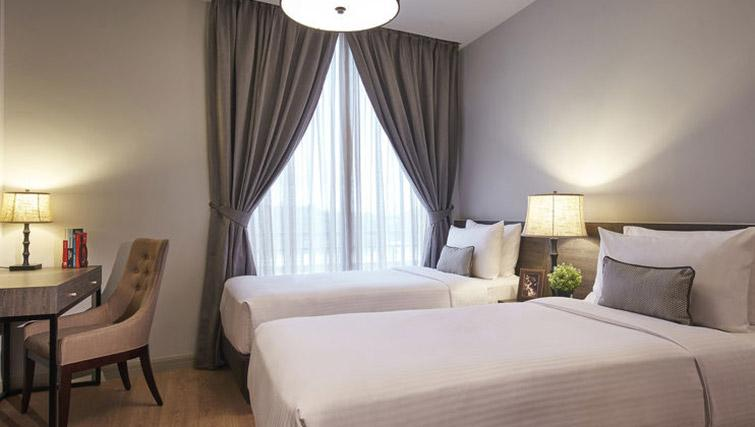 Twin beds at Regency House Apartments, Singapore