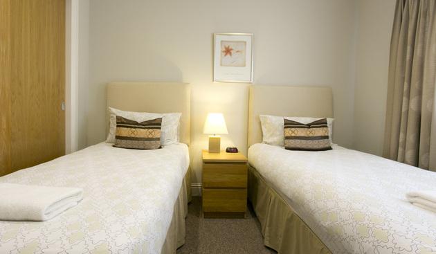 Twin beds in Wellgreen Gate
