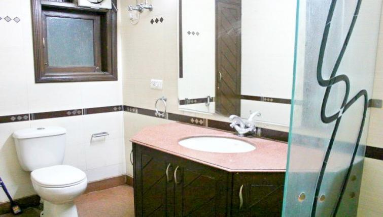 WC at N-129 Apartments