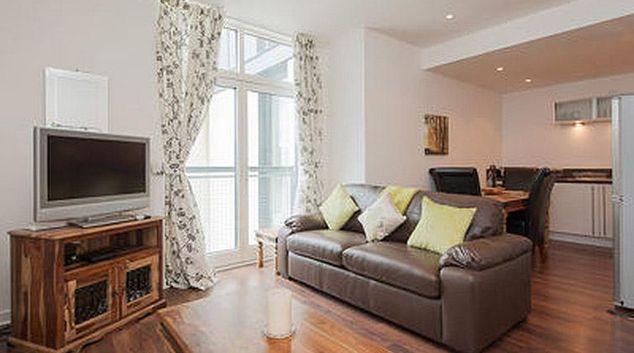 Cosy living area at Atlantic Quay Apartment