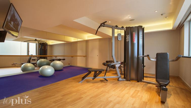 Gym at Hennessy Apartments