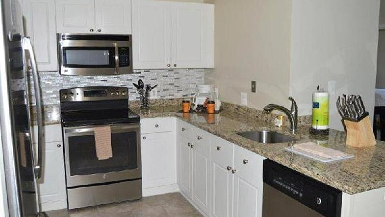 Equipped kitchen at Avalon Clarendon Apartment