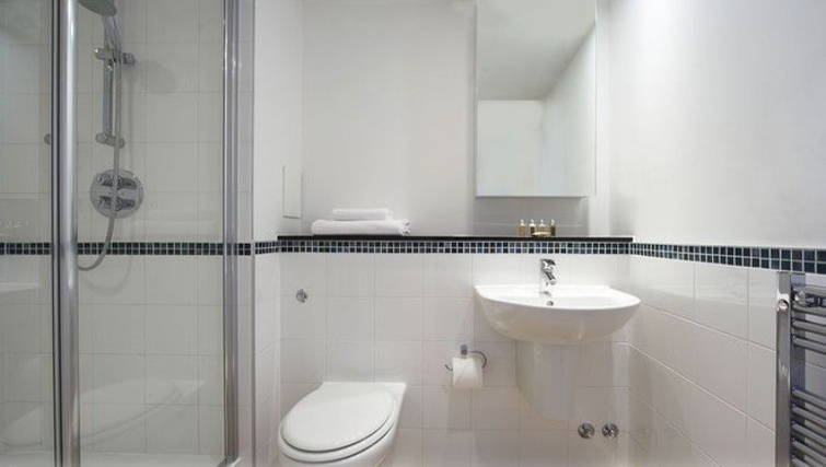 Sleek bathroom in Stratford Apartments