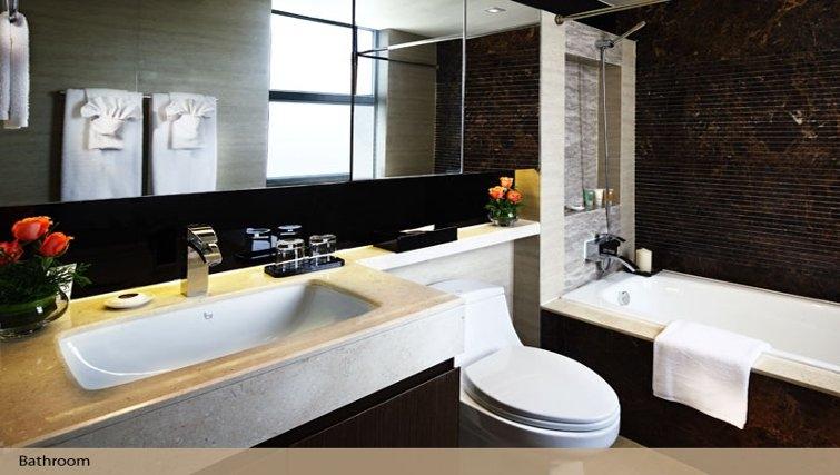 Clean bathroom in Oakwood Gold Arch Residence Guangzhou