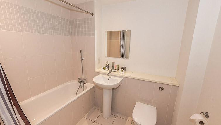 Bathroom at Dream Apartments Belfast Obel