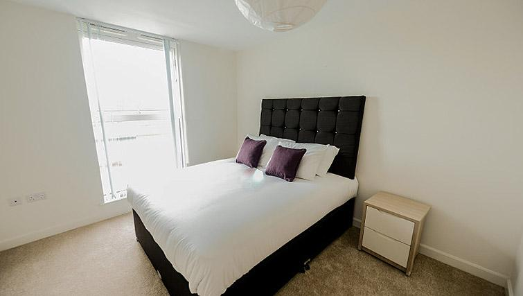 Cosy bed at Dream Apartments Belfast Obel