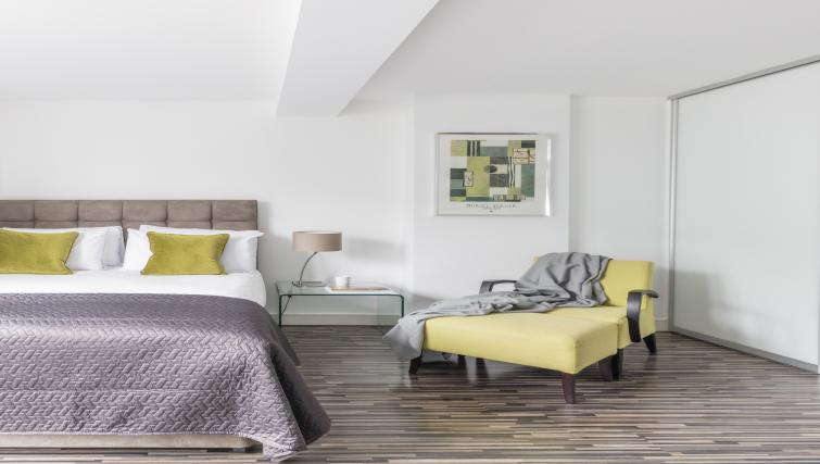 Bedroom area at the SACO Holborn - Lamb's Conduit Street