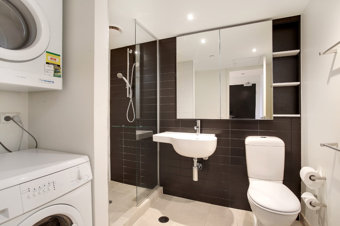Shower at Seasons Heritage Melbourne Apartments