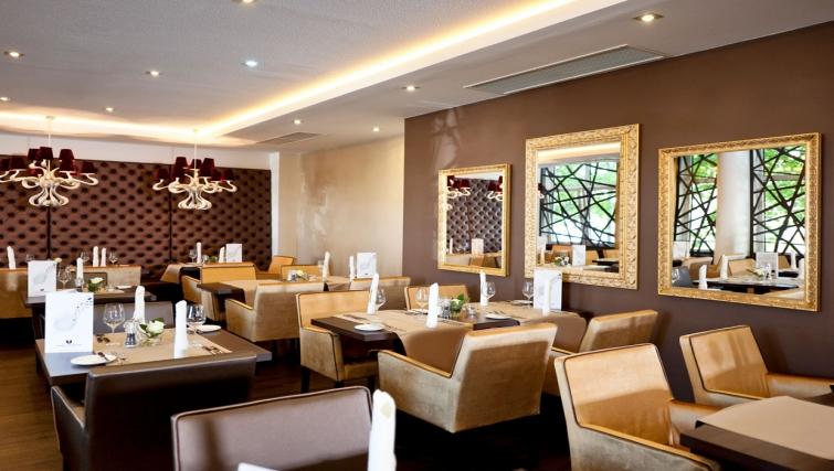 Superior restaurant in Mercure Frankfurt Messe Apartments