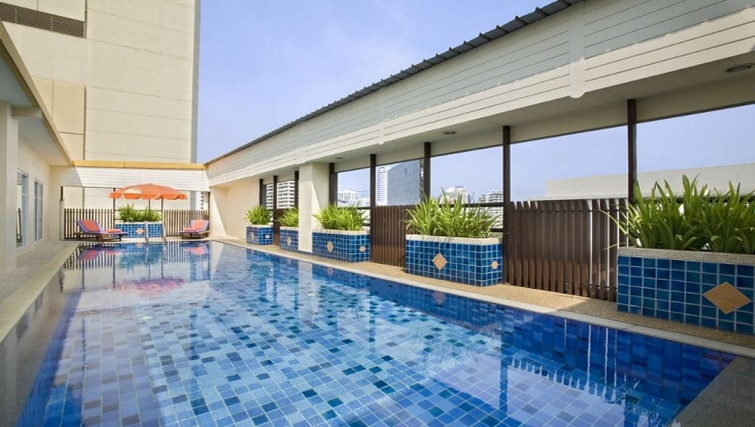 Pool in Citadines Sukhumvit 16 Apartments
