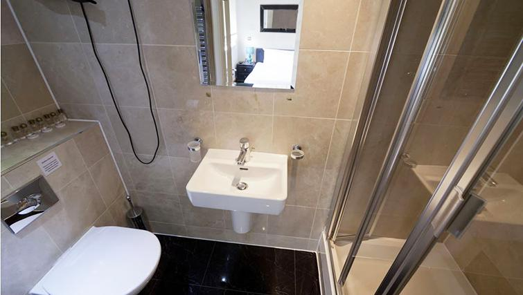 Practical bathroom in 198 North West Apartments