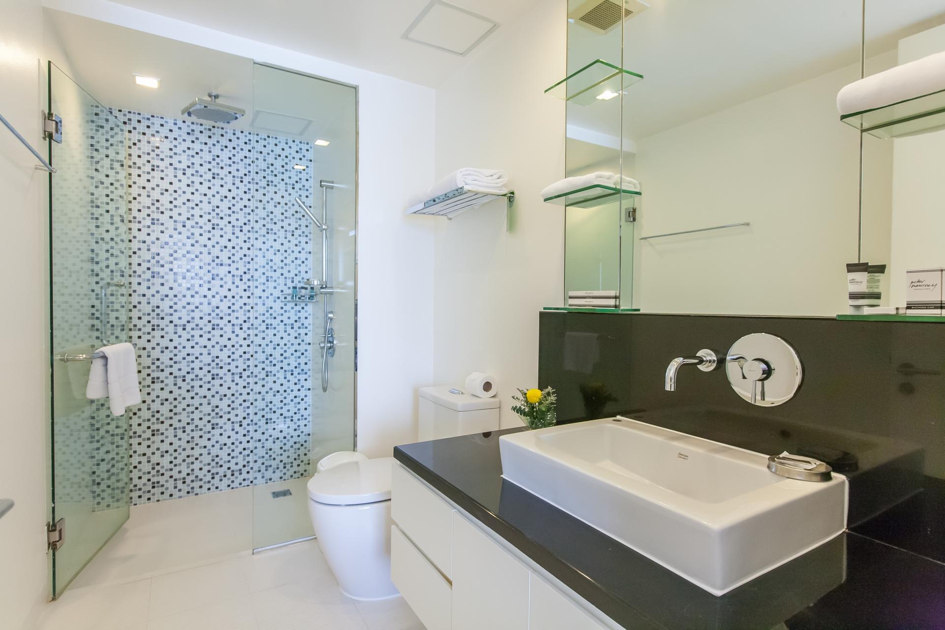 Bathroom at Oakwood Residence Sukhumvit 24 Bangkok