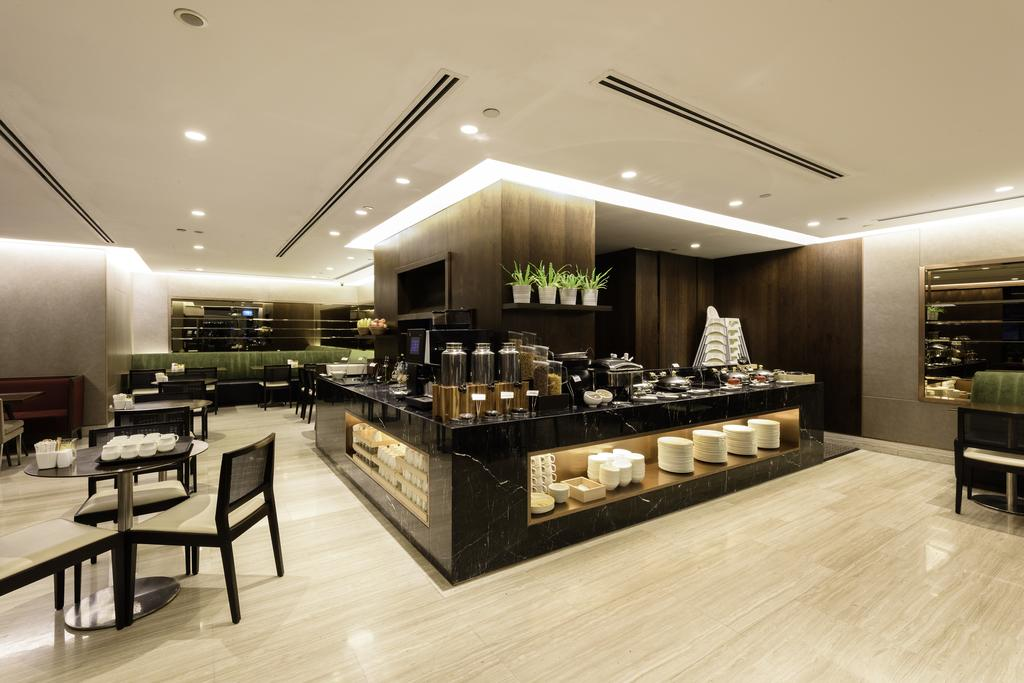 Communal restaurant at Fraser Suites Singapore