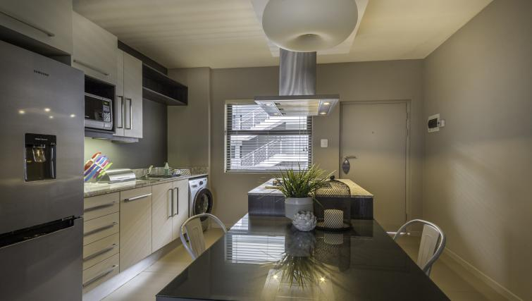 Dining table at Bryanston Drive Apartments