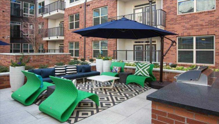 Outdoor lounge area at Bradstone Court Apartment
