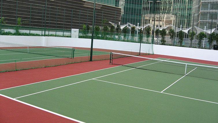 Tennis court at Marina Boulevard Singapore Apartments