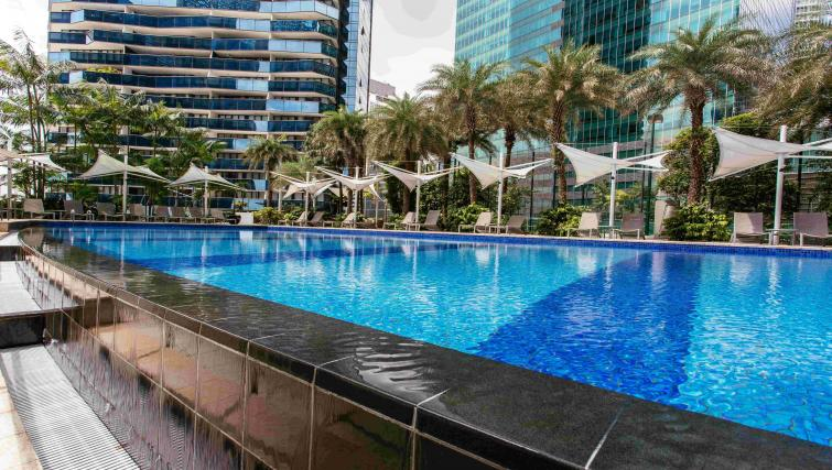 25 metre swimming pool at Marina Boulevard Singapore Apartments