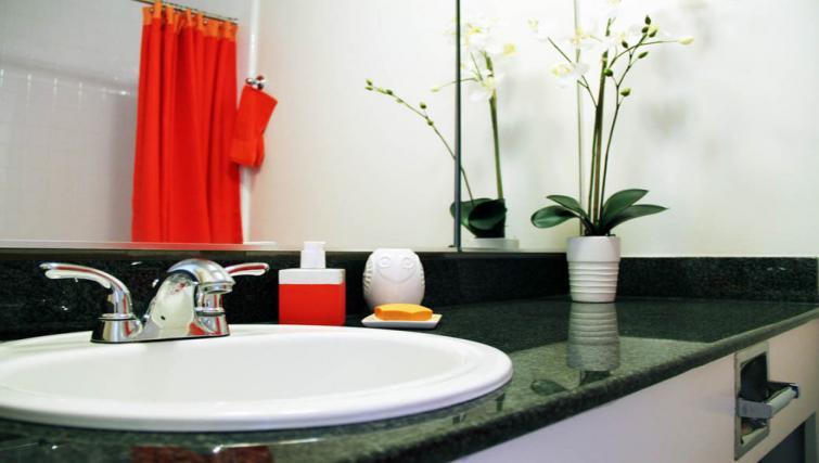 Bathroom at Fox Plaza Apartment
