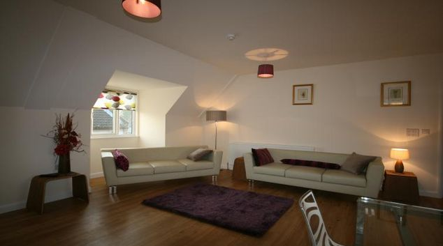 Spacious living area at Rycote Apartments