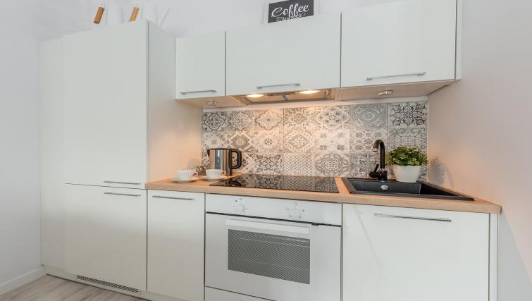 Full kitchen unit at P&O Apartments Andersa
