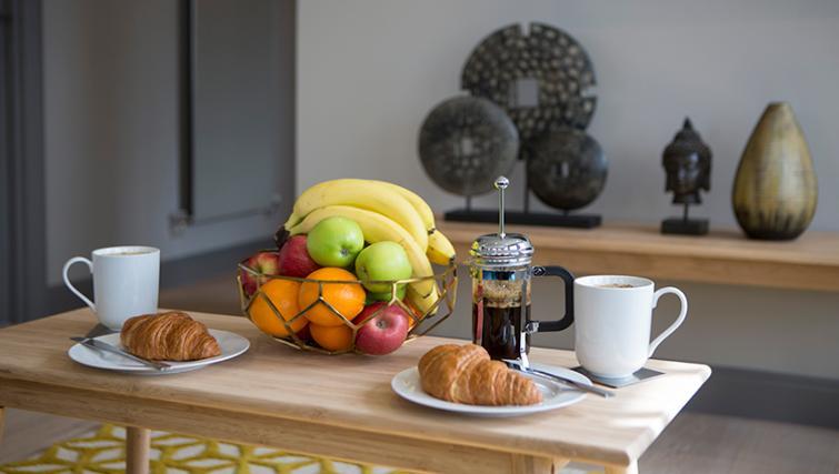 Breakfast at the Waterloo Street Apartments