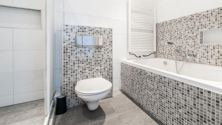 Pristine bathroom at Nieuwmarkt-Waag 3 Apartments, Amsterdam