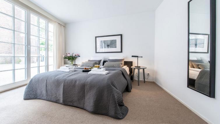 Comfortable bedroom at Nieuwmarkt-Waag 3 Apartments, Amsterdam