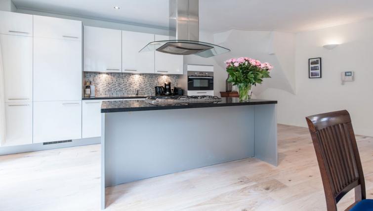Modern kitchen at Nieuwmarkt-Waag 3 Apartments, Amsterdam