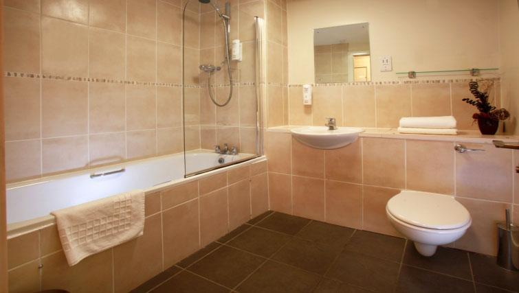 Modern bathroom in Cordia Serviced Apartments