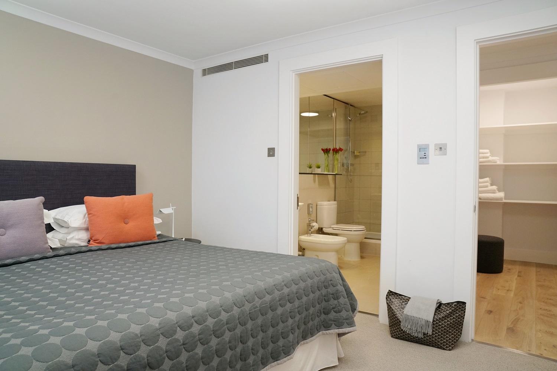 En-suite at Monarch House, Kensington, London