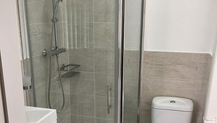 Shower at Barrington House