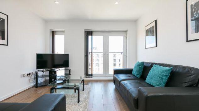 Lounge at the Bluestone Trinity Apartment
