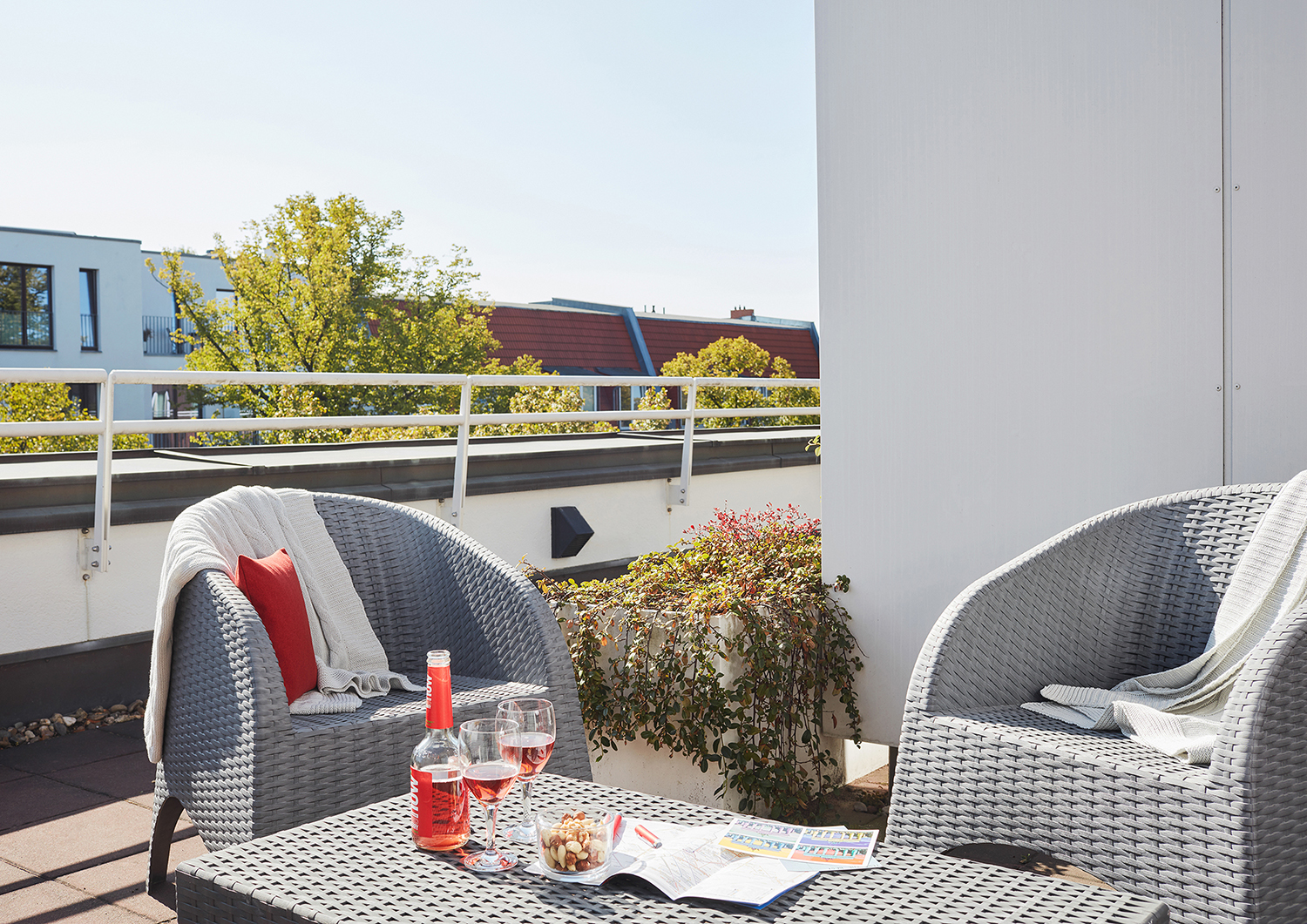 Balcony at Living Hotel Weißensee Apartments, Weisensee, Berlin