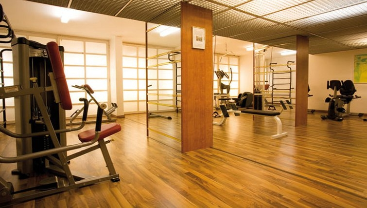 Ideal gym at Living Hotel Johann Wolfgang Apartments