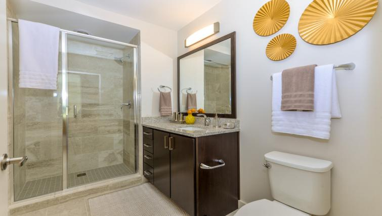 Pristine bathroom at Atlantic House Atlanta