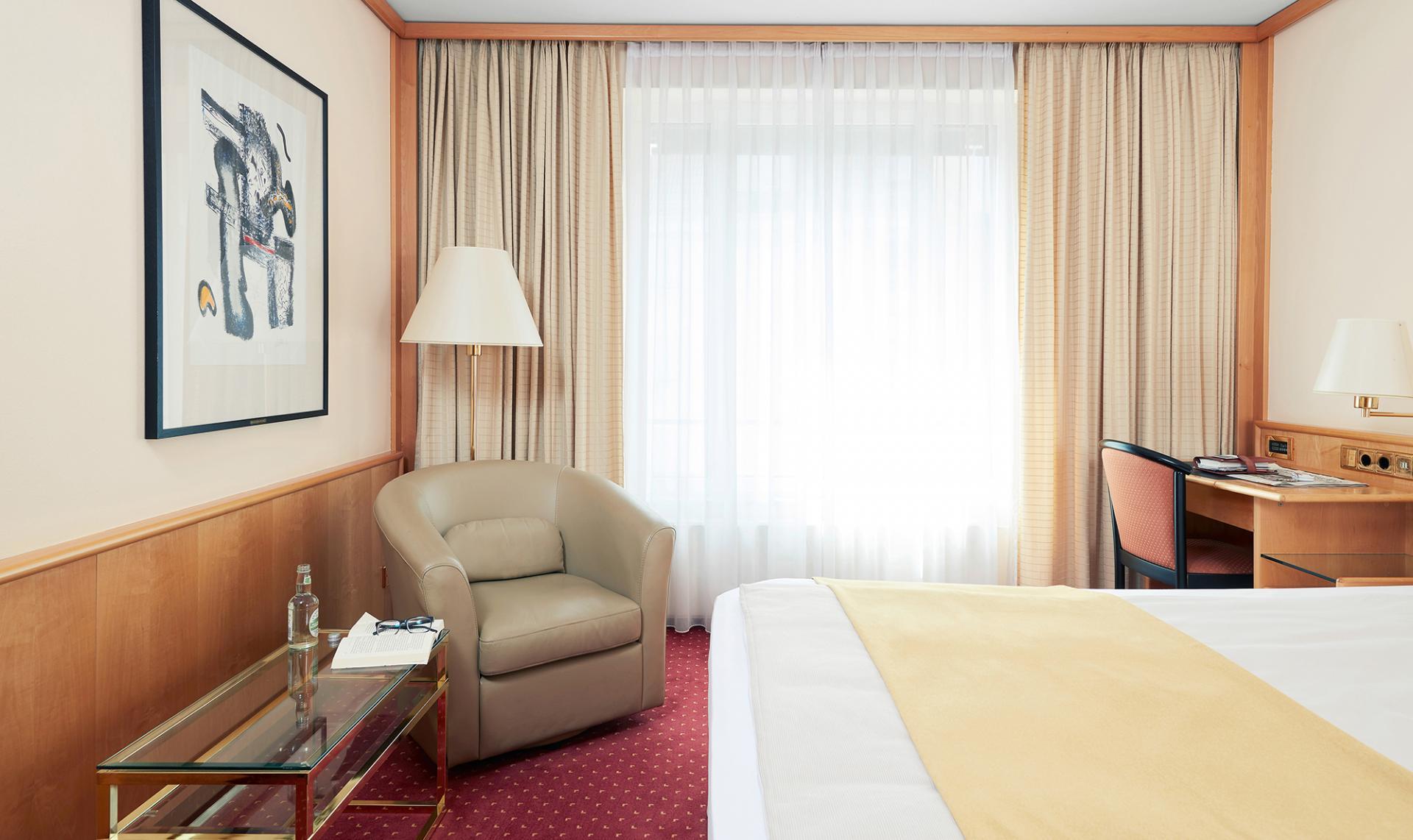 Bed at Living Hotel Grosser Kurfurst Apartments, Berlin Mitte, Berlin