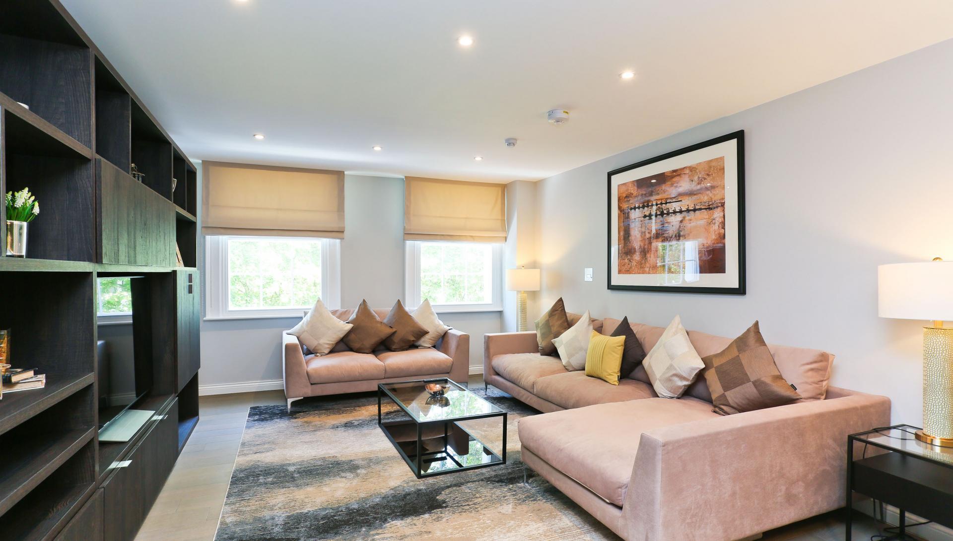 Lounge at Buckingham Gate Apartments