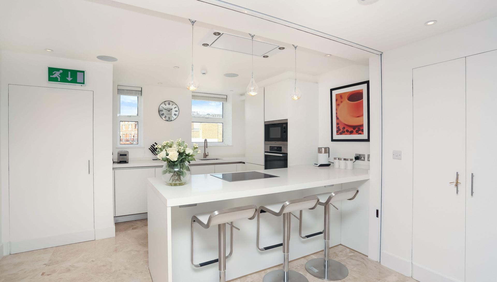 Modern kitchen at Buckingham Gate Apartments