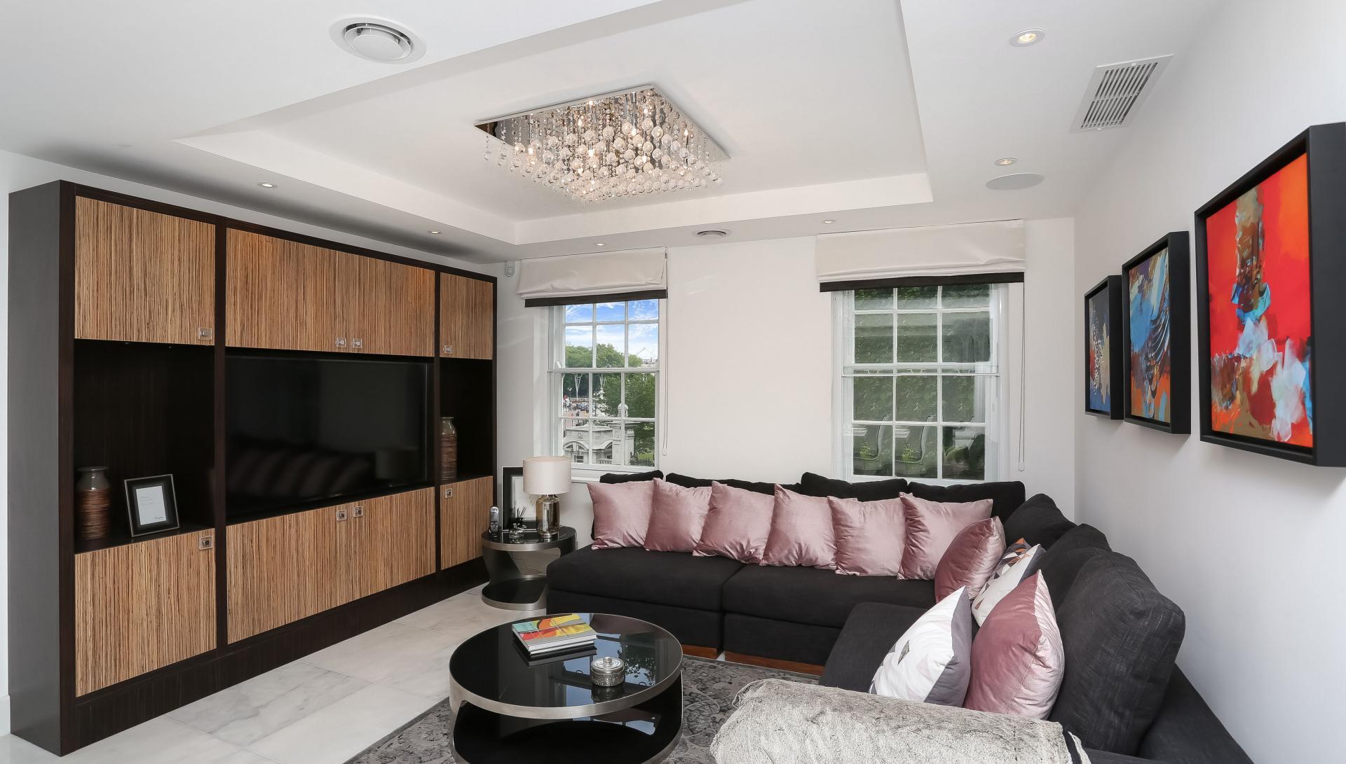 TV at Buckingham Gate Apartments