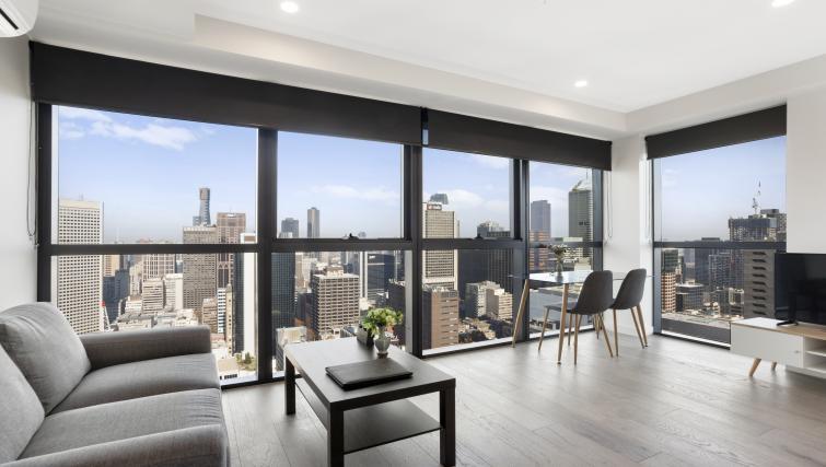 Bright apartment at Platinum City Serviced Apartments