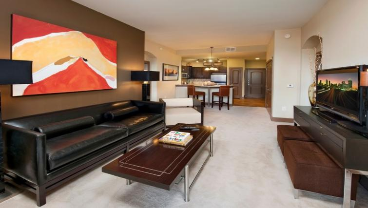 Living area at Gables Midtown Apartments