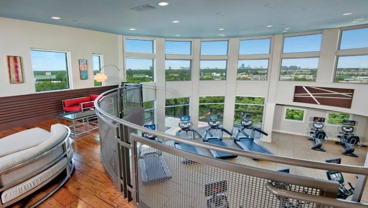 Fitness centre at Gables Midtown Apartments
