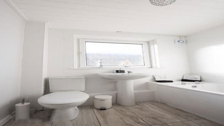 Bathroom at Kirkness Apartment, Centre, Airdrie