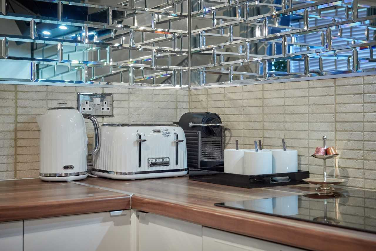 Kitchen facilities at Mulberry House Apartments