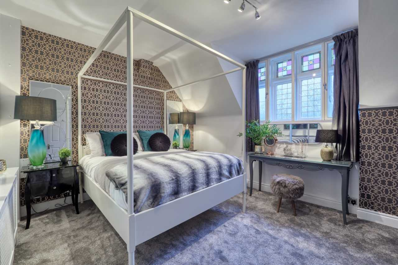 Master bedroom at Mulberry House Apartments