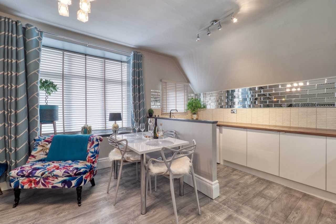 Dining room at Mulberry House Apartments